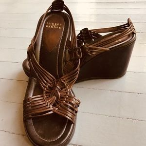 Audrey Brooke Wedge Sandals-Size 8-Brown.Gorgeous.